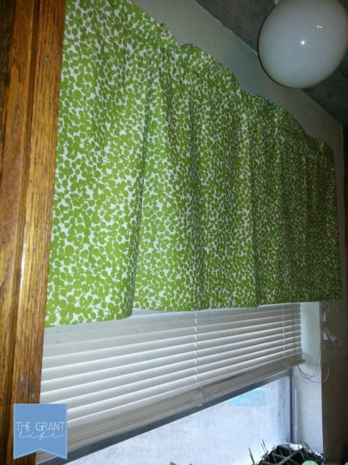 four stitch easy diy curtains