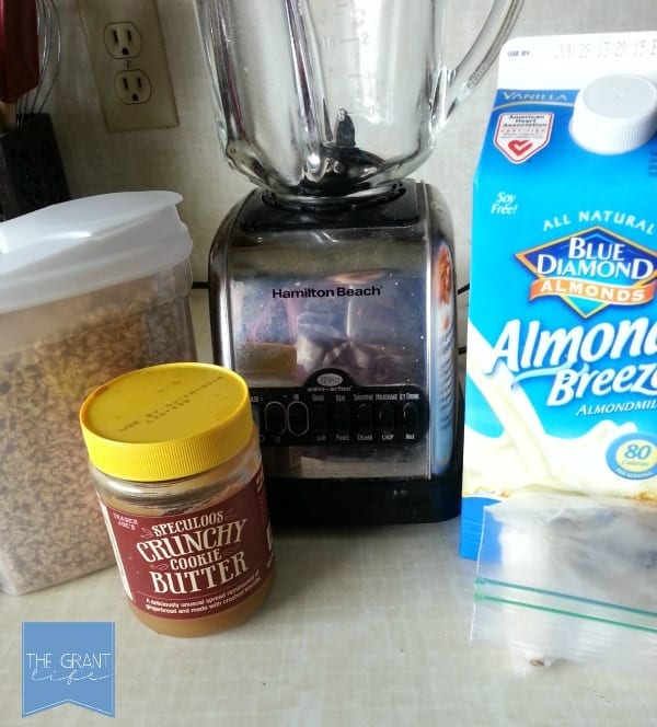 Ingredients to make a cookie butter smoothie