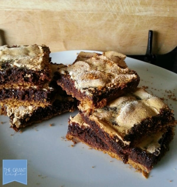 Smores Brownie Bars - So easy! So gooey!