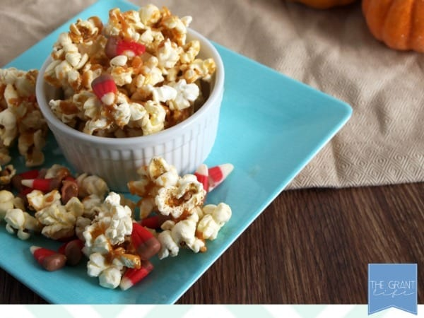 Easy salted caramel apple popcorn