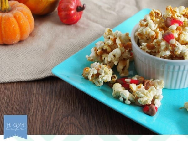 salted caramel apple popcorn looks so good