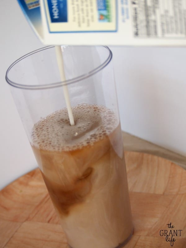 How to Make an Iced Chai Latte - Starbucks copycat