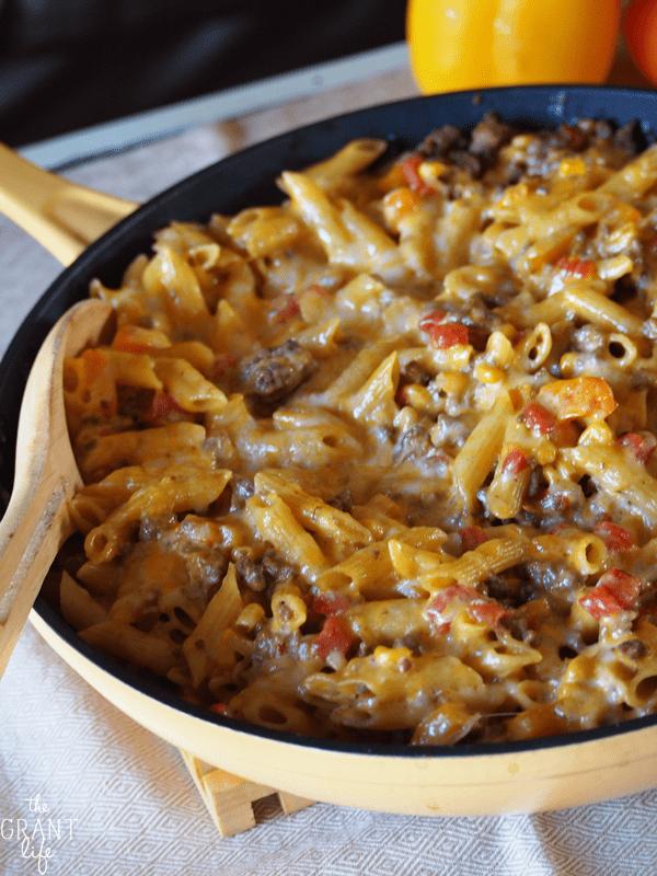 Easy chipolte pasta skillet