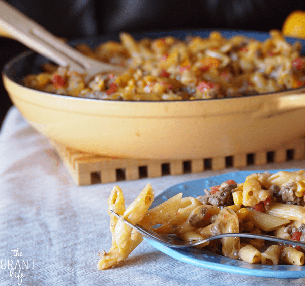 easy one pot dinner - chipotle pasta skillet
