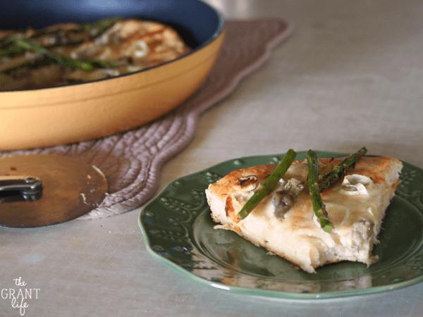 Leek and asparagus pizza