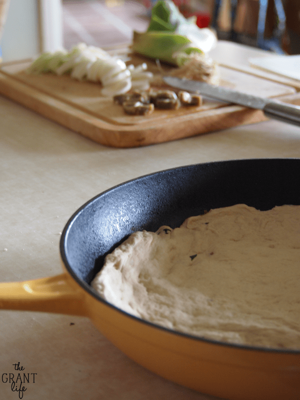 Leek skillet pizza with basil pizza dough