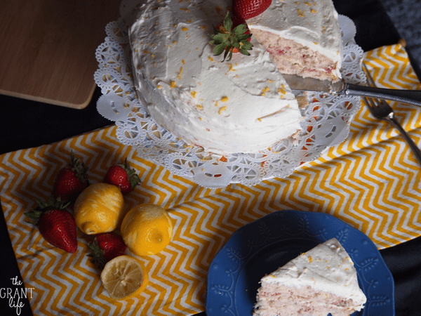 Strawberry cake with lemon frosting