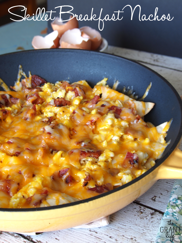Skillet Breakfast Nachos - Watch the entire pan disapear!
