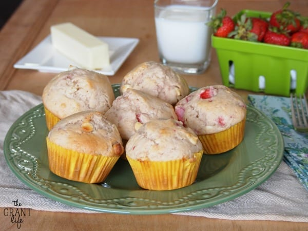 strawberry white chocolate muffins