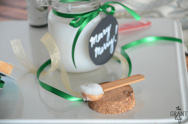 Easy Christmas sugar scrub.  Perfect for dry hands during the winter