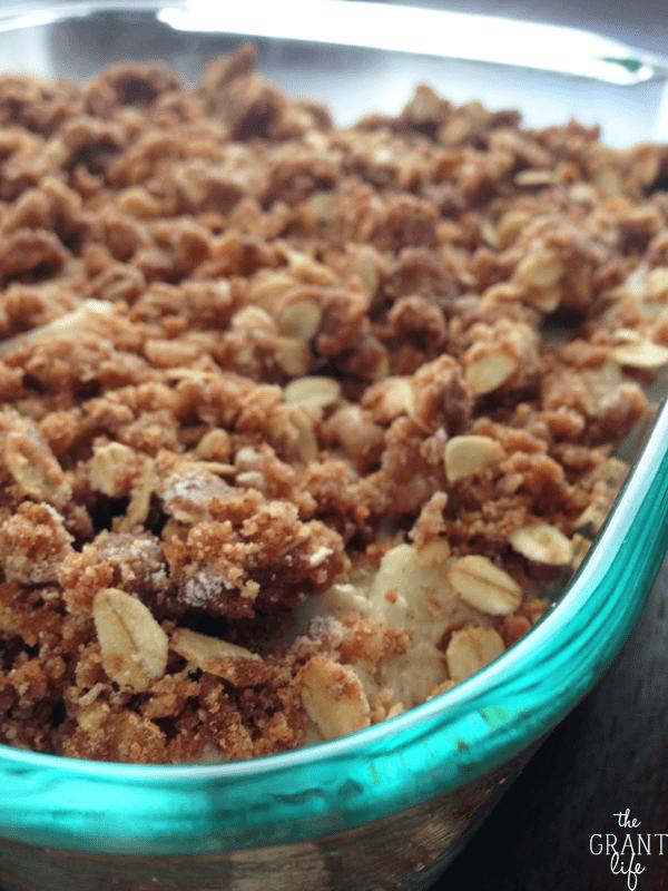 Apple walnut crumb cake recipe - vegan!