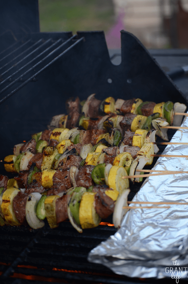 How to make steak kebabs on the grill