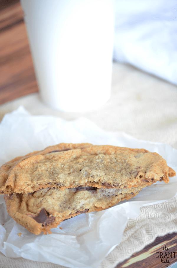 Starbuck chocolate chunk cookie