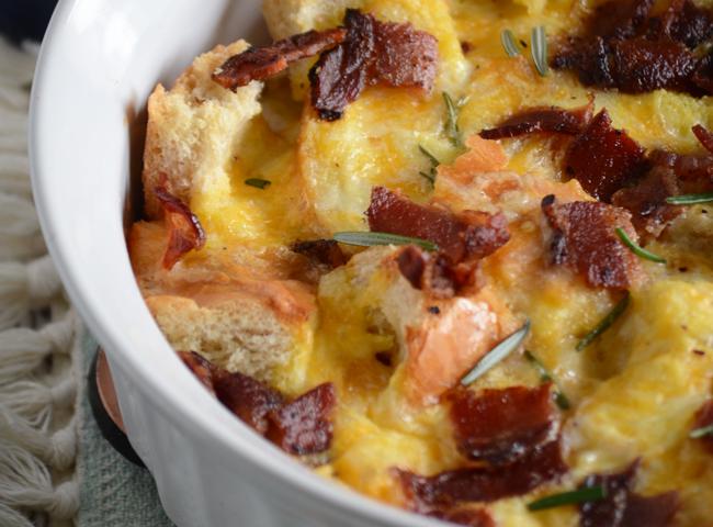 Cheesy bacon breakfast casserole recipe!