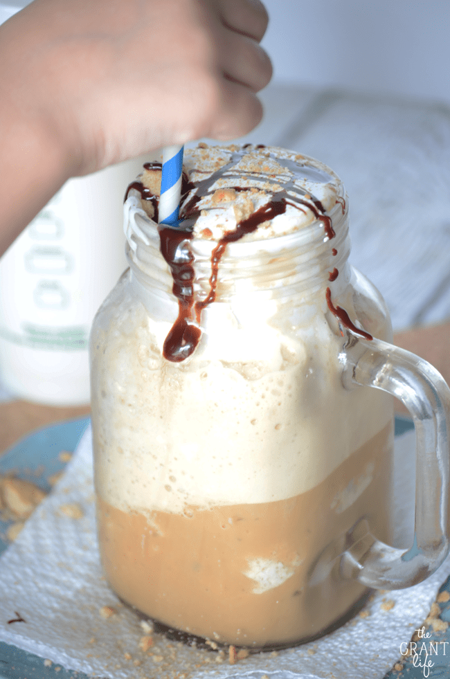 How to make a smores frappucino at home!