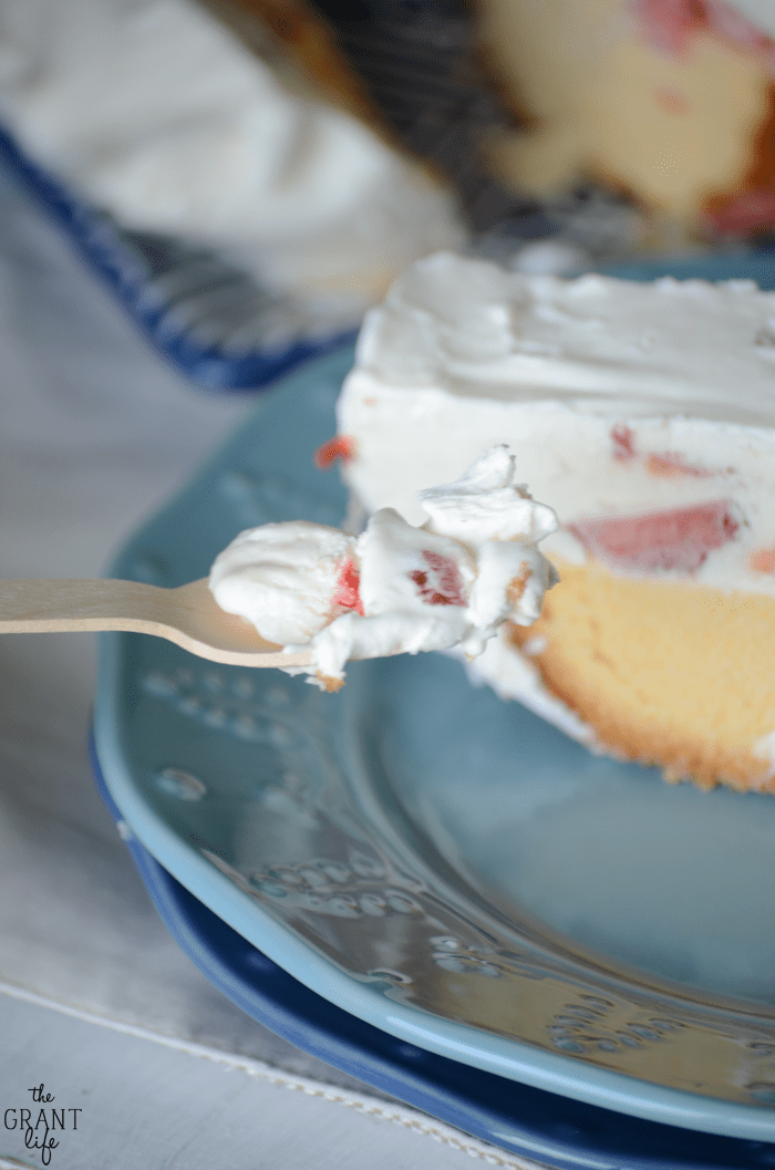 How to make a no bake frozen strawberry shortcake