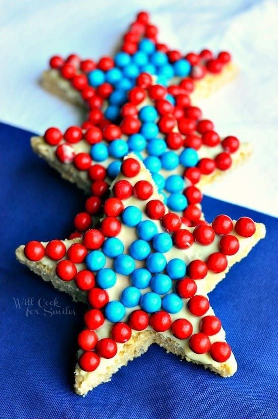 Red-White-and-Blue-Rice-Krispie-Stars-from-willcookforsmiles.com-redwhiteandblue-treat-memorialday