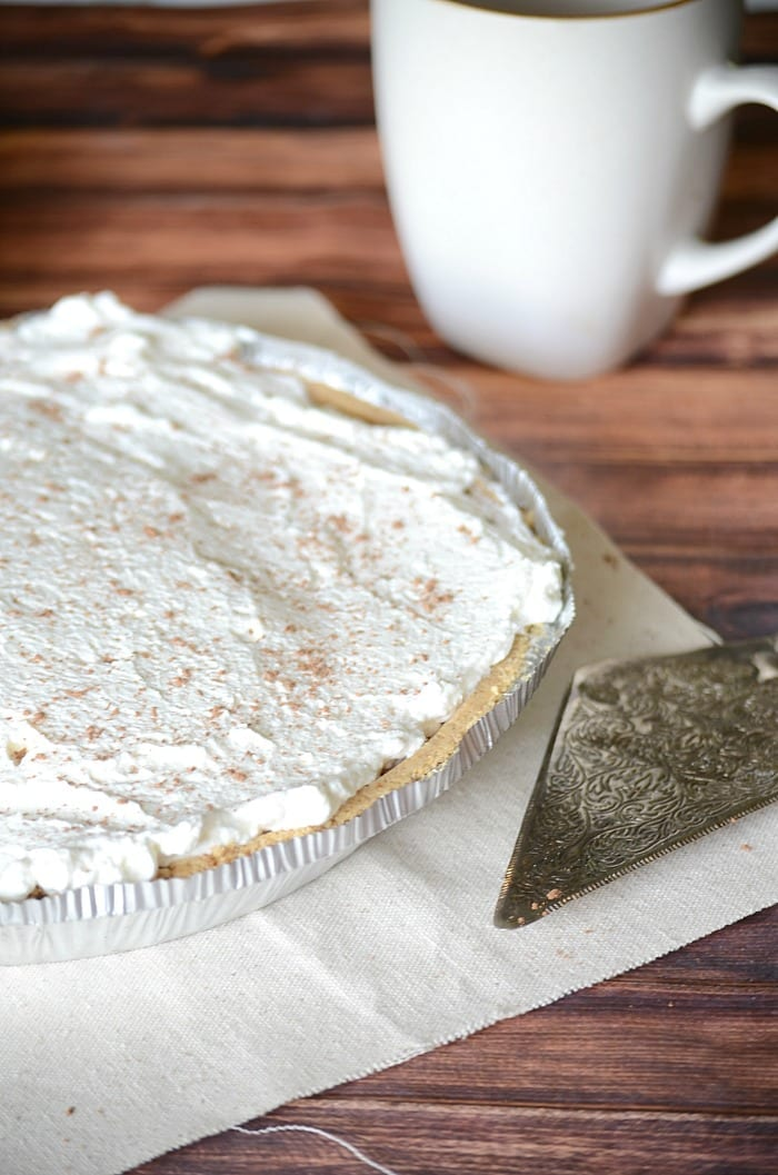Easy banoffe pie recipe. It comes together in about 10 minutes!