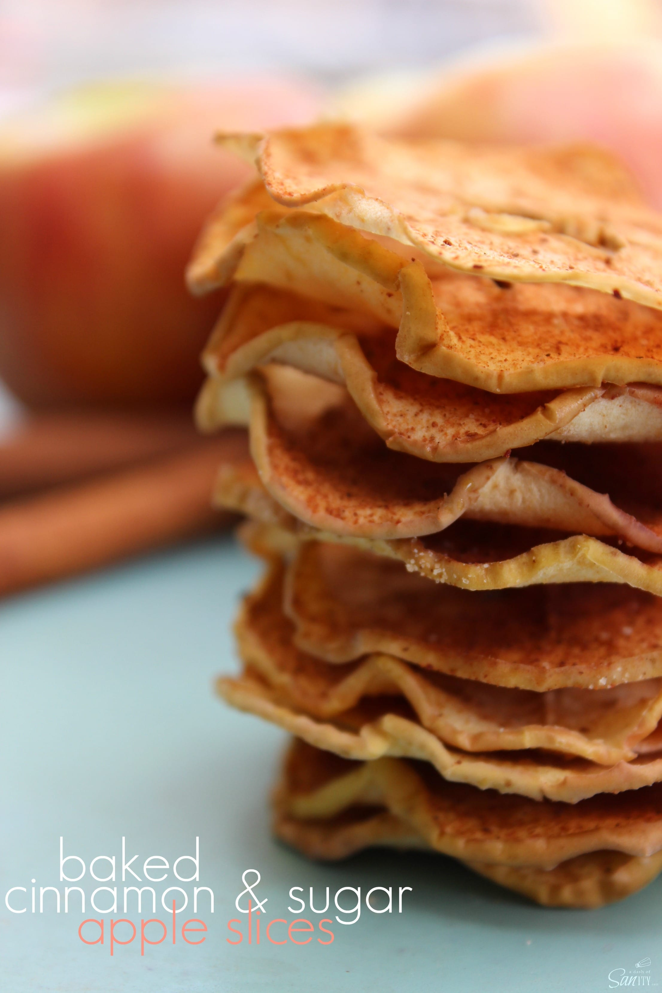 Baked Cinnamon Sugar Apple Slices - healthy, crispy and easy to pack in a lunchbox!
