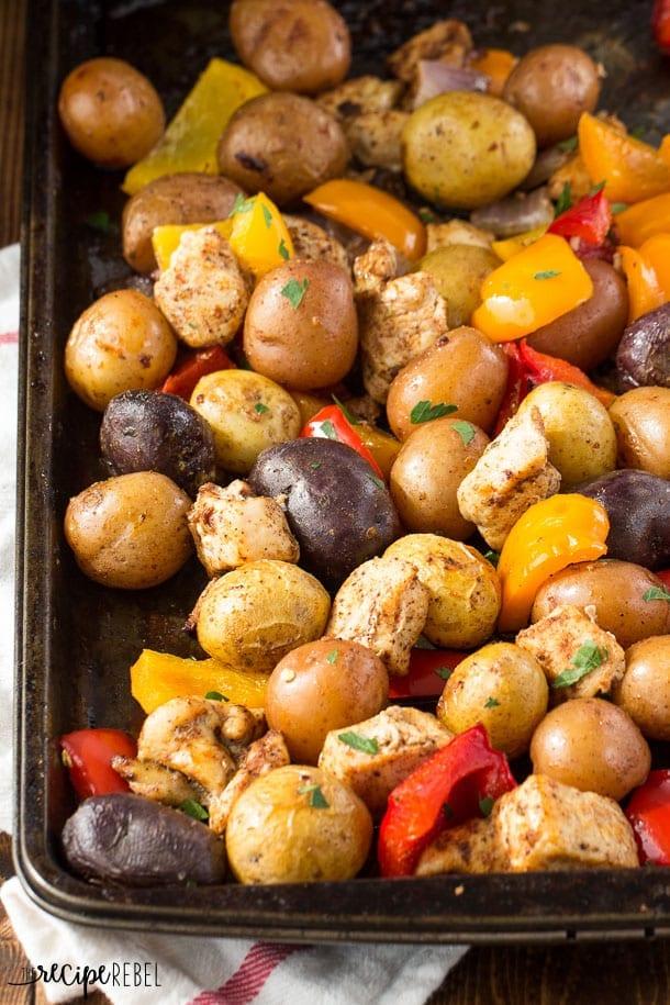 Chicken-Fajita-Sheet-Pan-Dinner-www.thereciperebel.com-4-of-8