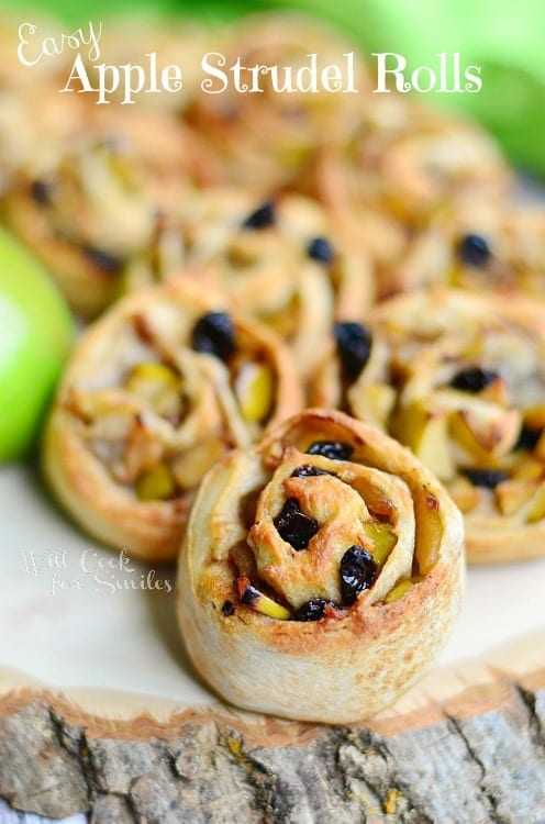 Easy Apple Strudel Rolls - perfect small hand-size treat!