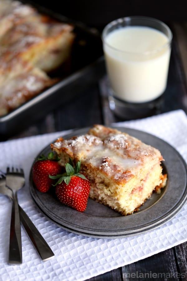 strawberries-and-cream-coffee-cake-3