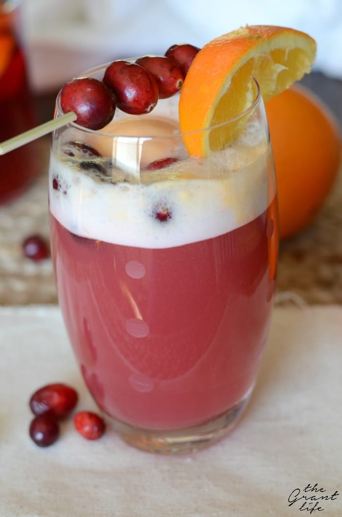 Sparking cranberry punch! Such an easy drink to make for a party!