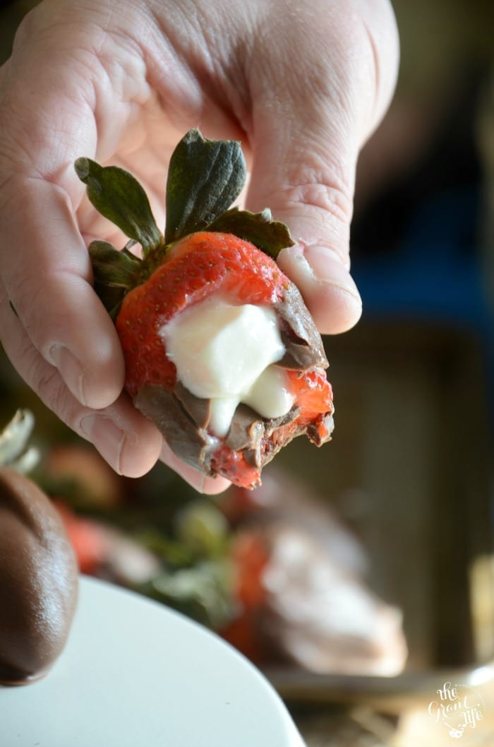 Cheesecake stuffed strawberry recipe