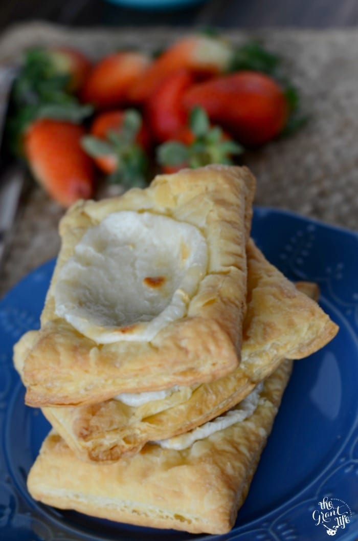 Copycat cheese danish