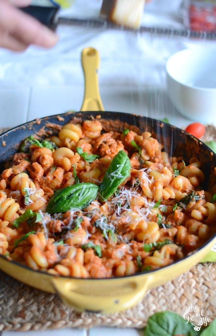 Creamy tomato and spinach pasta recipe