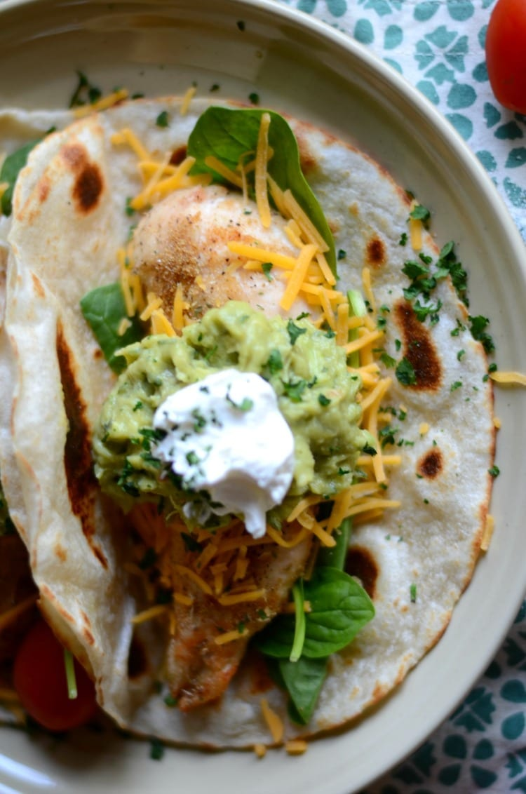 easy-baked-chicken-tacos