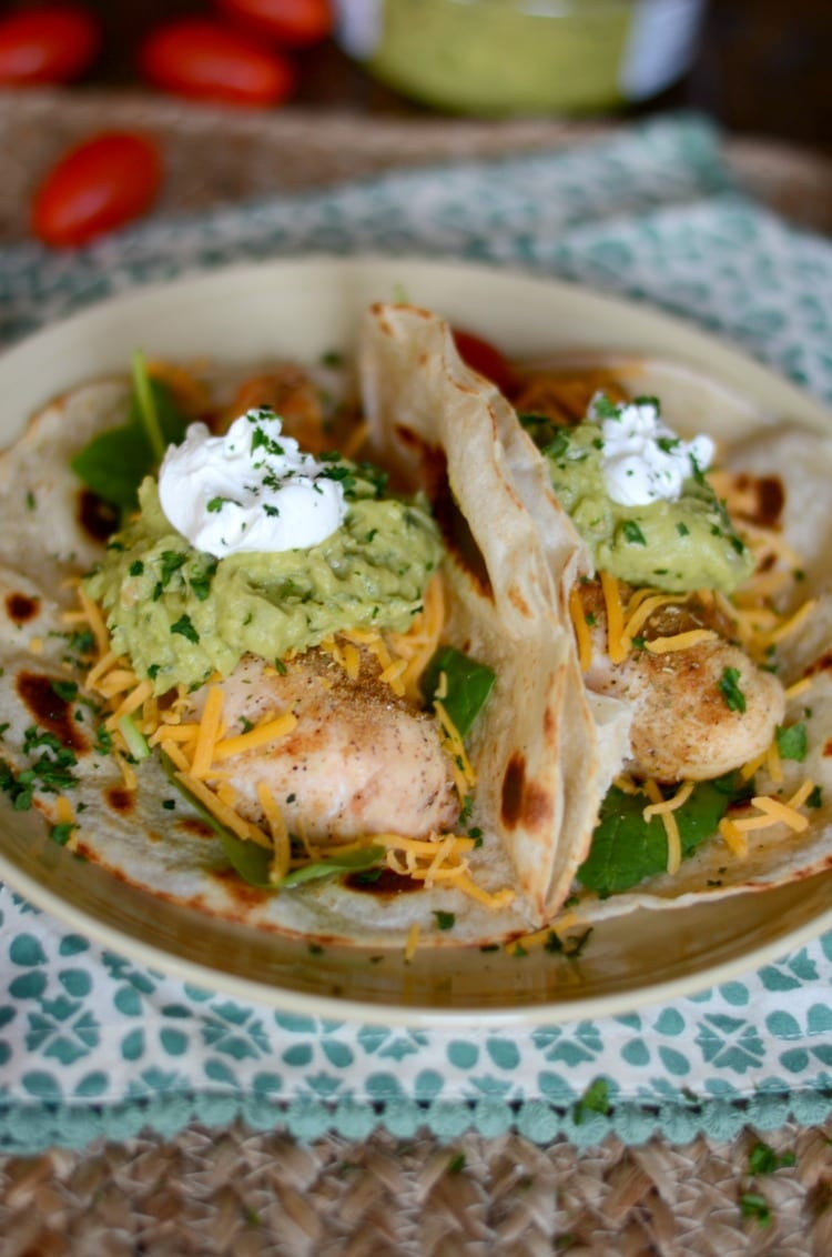 Sep 10,  · While we made these Easy Rotisserie Chicken Tacos with shredded cooked chicken, you can just as easily follow this same method using cooked ground beef, pulled pork, fish, or any other favorite taco fihideqavicah.gqgs: