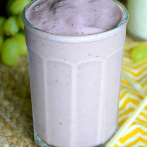 No-sugar triple berry breakfast smoothie