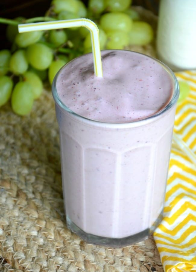 No-sugar triple berry breakfast smoothie