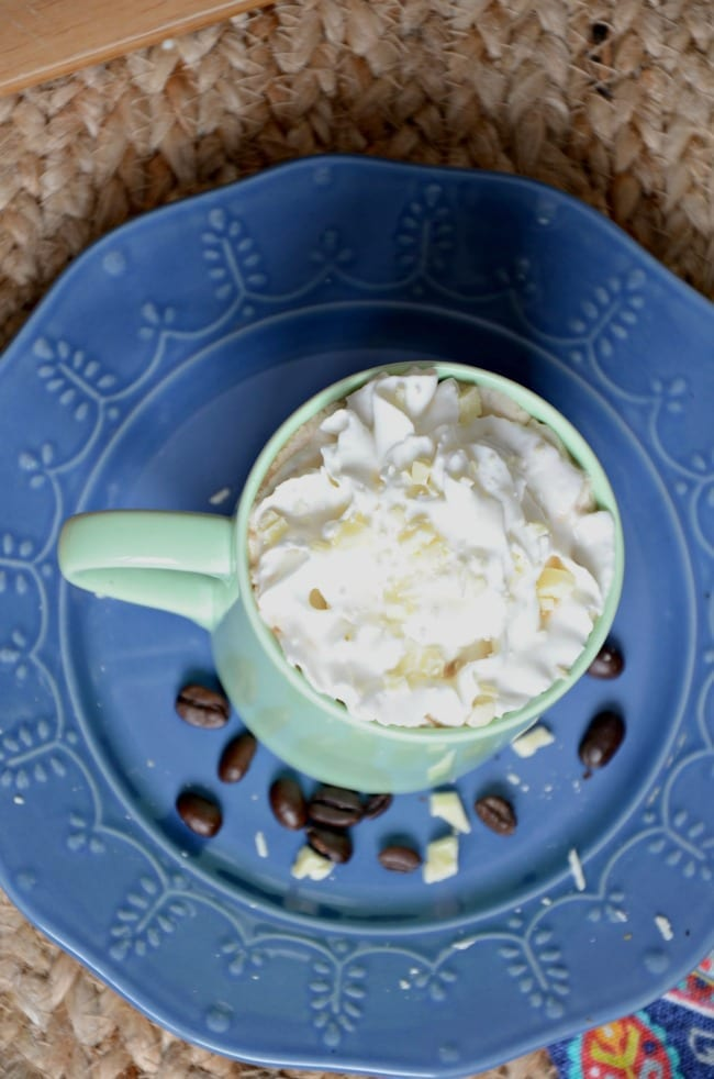 white chocolate vanilla latte recipe on blue plate