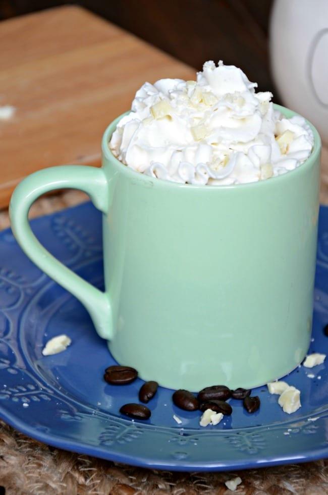 white chocolate vanilla latte recipe with whipped cream