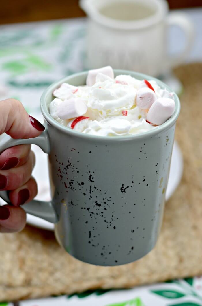how to make a peppermint white hot chocolate at home