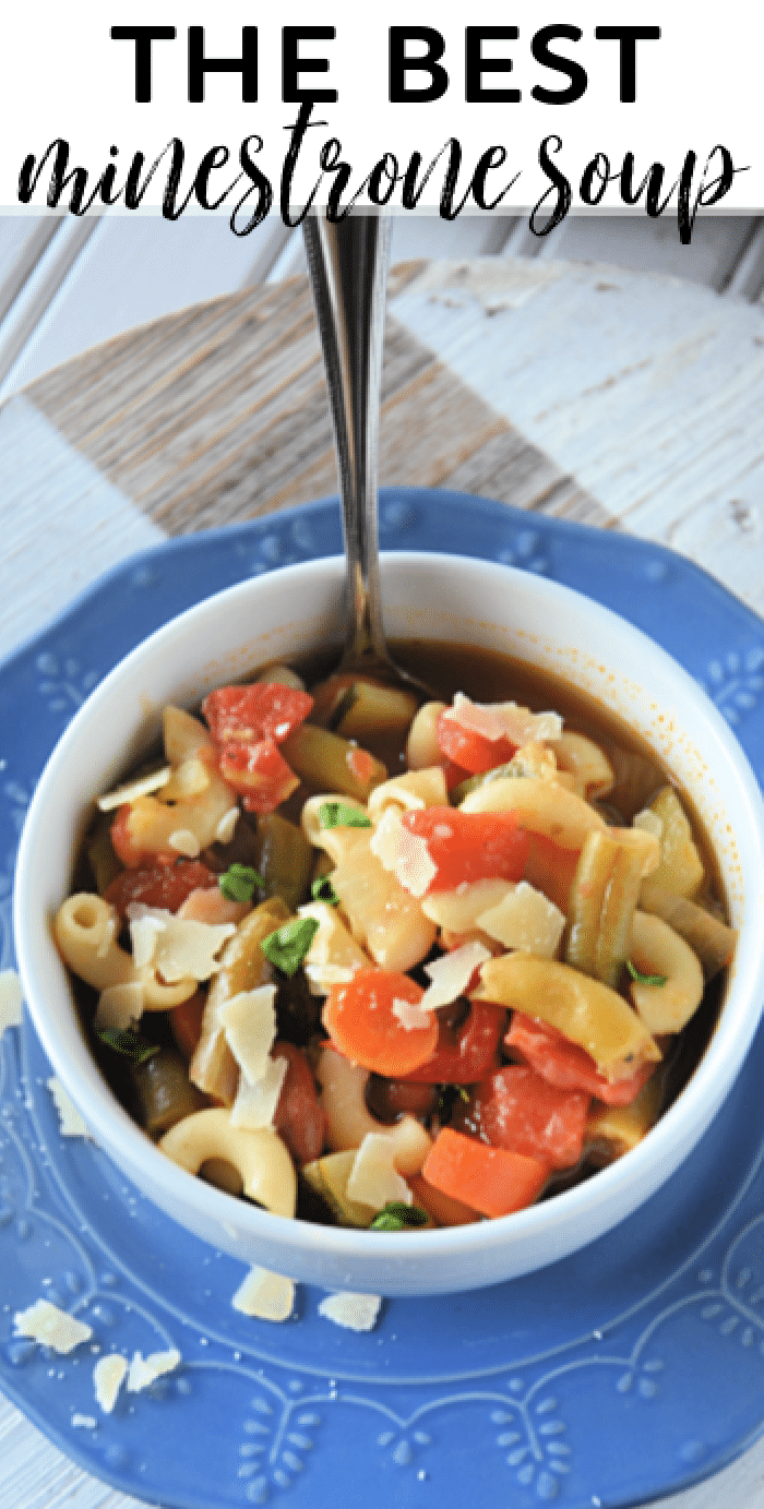 How to make the best minestrone soup on the stove top with fresh or frozen vegetables via @mommakesdinner