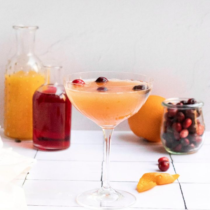 how to make a festive cranberry orange mimosa