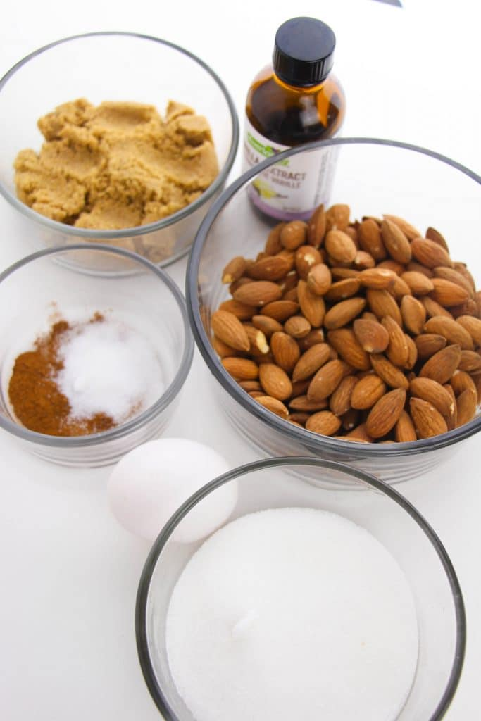 ingredients to make candied almonds