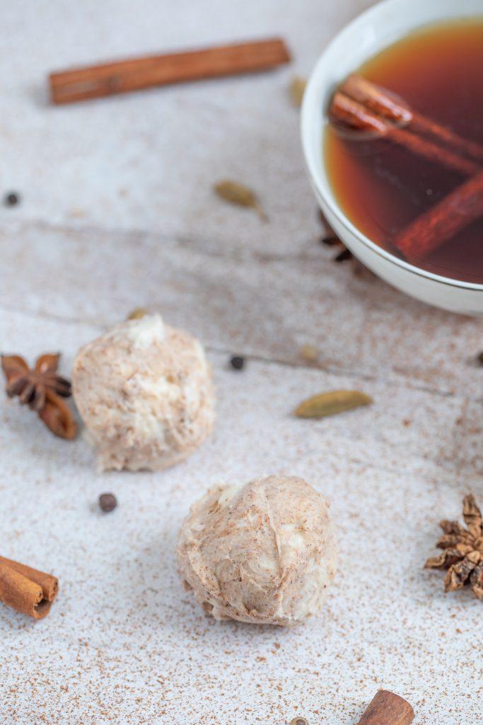 Chai latte truffles (10)