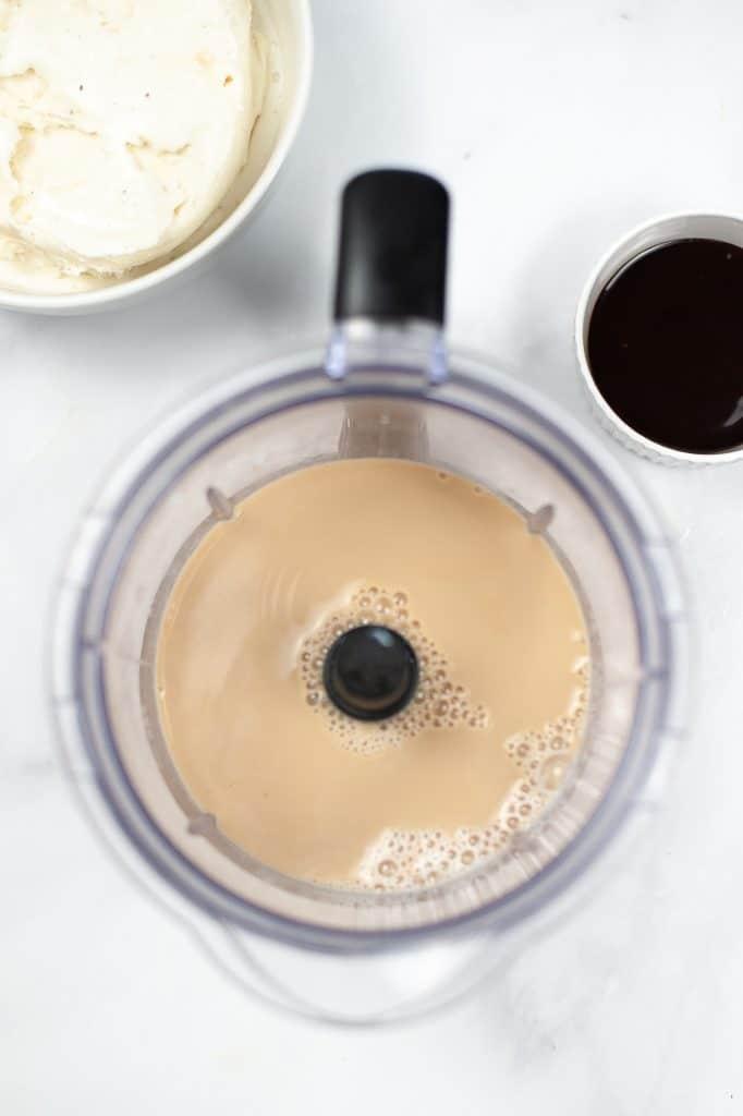 how to make a jamocha shake at home
