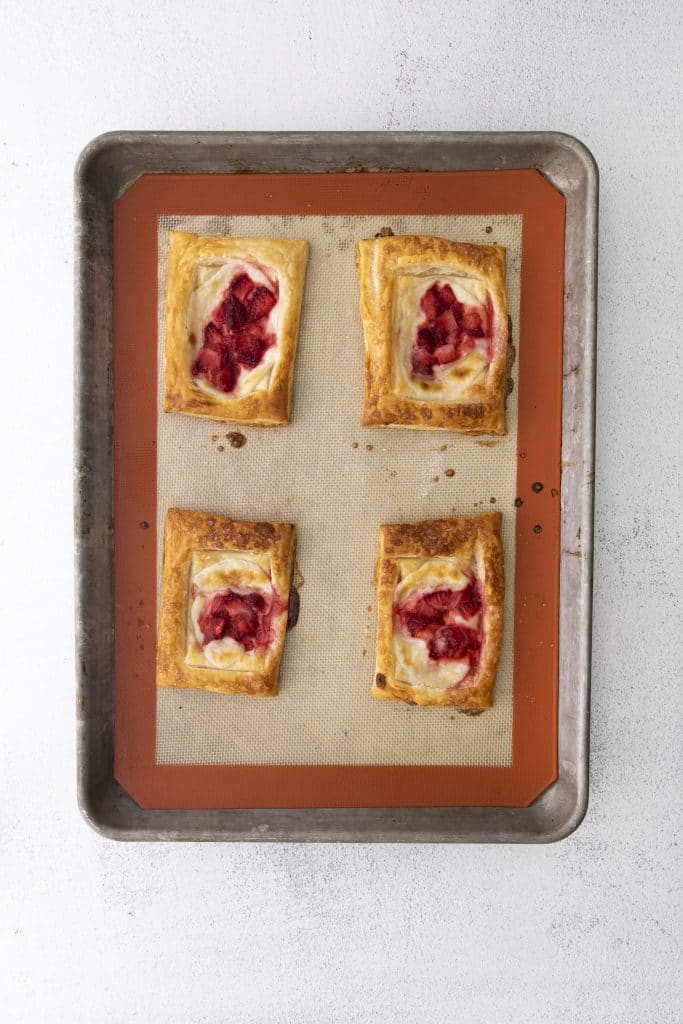 How to make strawberry danishes (2)
