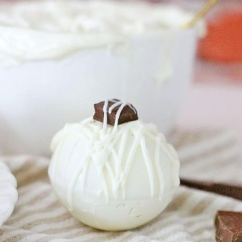 white chocolate cocoa bombs